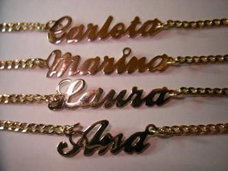 b739d99e557c pulseras collares nombres